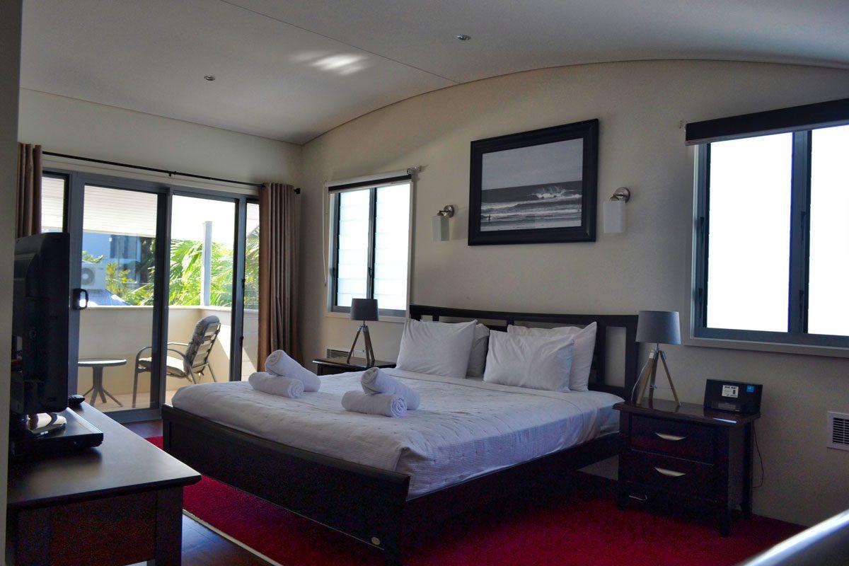 Jades on lawson master bedroom